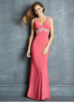 Sheath/Column V-neck Sweep Train Chiffon Prom Dress With Appliques Lace