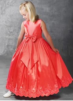 A-Line/Princess Scoop Neck Floor-Length Taffeta Lace Flower Girl Dress With Ruffle Bow(s)