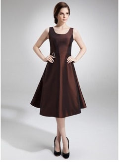 A-Line/Princess Square Neckline Knee-Length Taffeta Mother of the Bride Dress With Beading