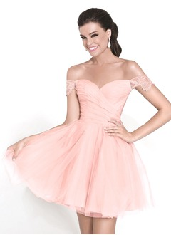 A-Line/Princess Sweetheart Short/Mini Tulle Homecoming Dress With Ruffle Lace