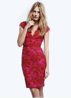Sheath/Column Knee-Length Lace Cocktail Dress With Sequins
