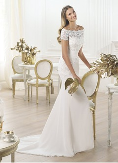 Sheath/Column Strapless Sweetheart Sweep Train Organza Lace Wedding Dress With Ruffle