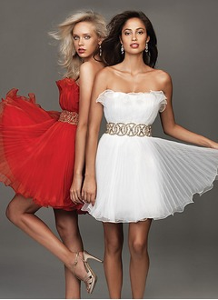 A-Line/Princess Strapless Short/Mini Organza Homecoming Dress With Beading Pleated