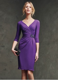 Sheath/Column V-neck Knee-Length Chiffon Evening Dress With Ruffle Beading