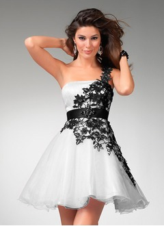 A-Line/Princess One-Shoulder Short/Mini Organza Satin Cocktail Dress With Lace Sash Beading