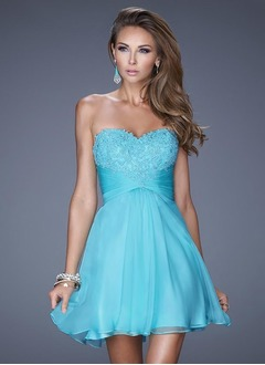 A-Line/Princess Strapless Sweetheart Short/Mini Chiffon Cocktail Dress With Appliques Lace