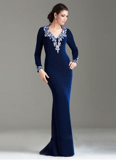 Sheath/Column V-neck Sweep Train Velvet Mother of the Bride Dress With Beading Sequins