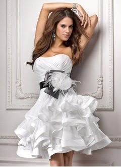 A-Line/Princess Strapless Sweetheart Knee-Length Organza Homecoming Dress With Sash Feather Flower(s) Cascading Ruffles