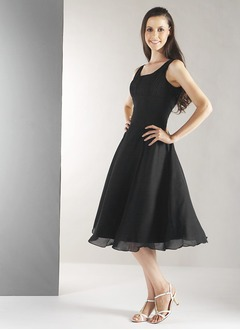 A-Line/Princess Scoop Neck Knee-Length Chiffon Prom Dress With Ruffle