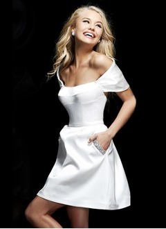 A-Line/Princess Off-the-Shoulder Short/Mini Satin Evening Dress With Beading