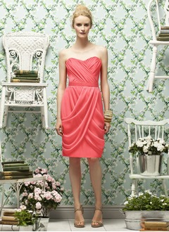 Sheath/Column Strapless Sweetheart Knee-Length Chiffon Bridesmaid Dress With Ruffle