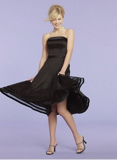 A-Line/Princess Strapless Knee-Length Organza Charmeuse Homecoming Dress