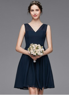 A-Line/Princess V-neck Knee-Length Chiffon Bridesmaid Dress With Ruffle (0075104325)