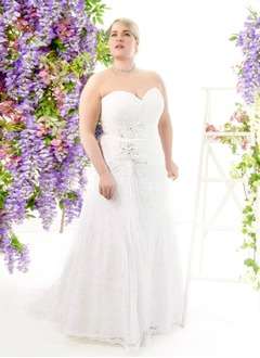 A-Line/Princess Strapless Sweetheart Sweep Train Lace Wedding Dress With Ruffle Beading