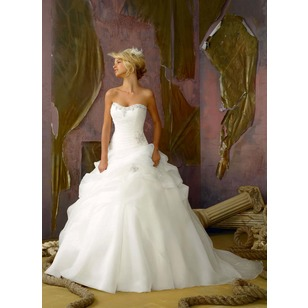 Ball-Gown Strapless Sweetheart Chapel Train Organza Wedding Dress With Ruffle Beading (0025055905)