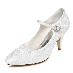 Vrouwen Satijn Closed Toe Pumps met Gesp Stitching Lace